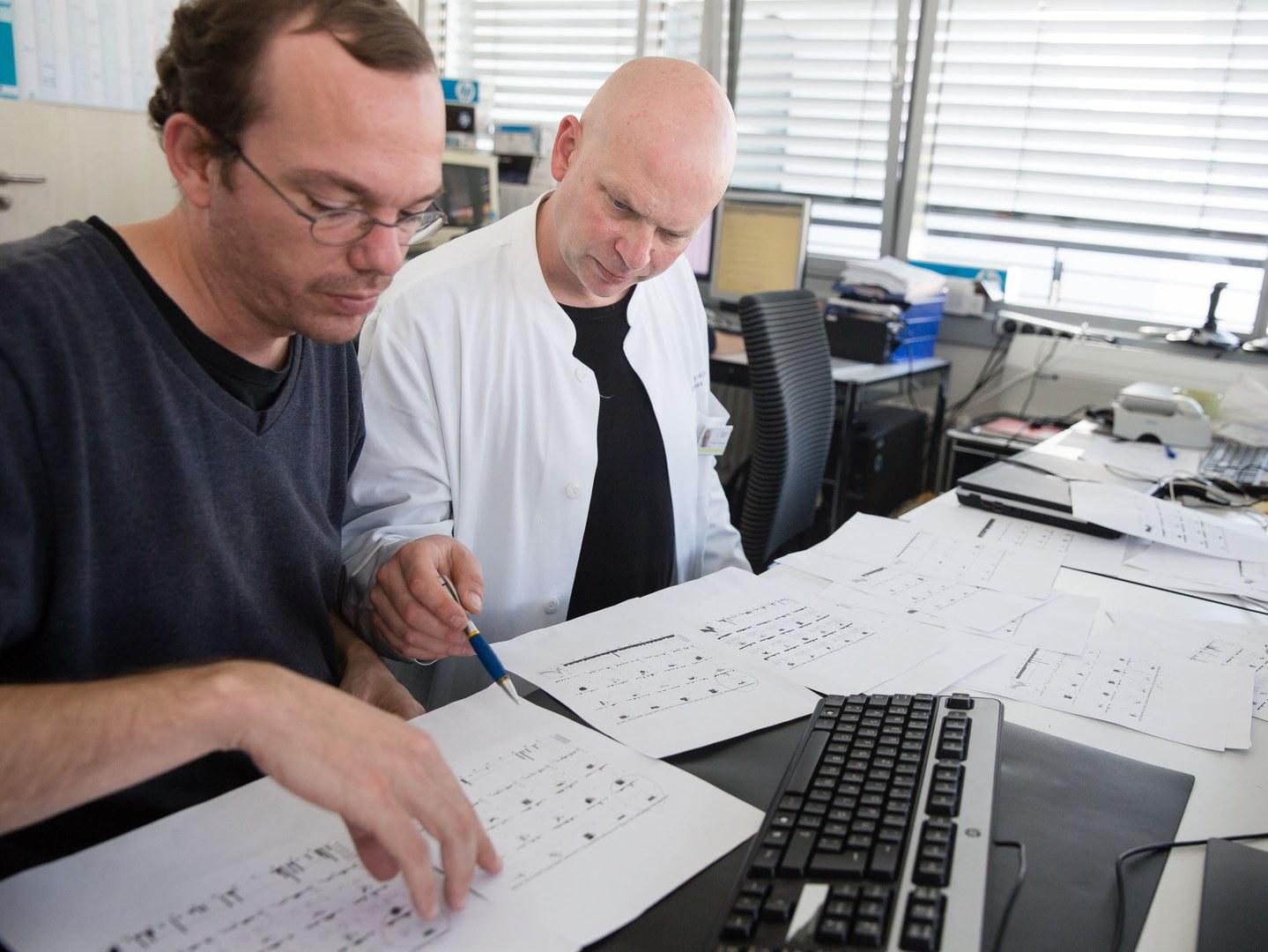 Dr. Thomas Reber (links) und Prof. Dr. Dr. Florian Mormann