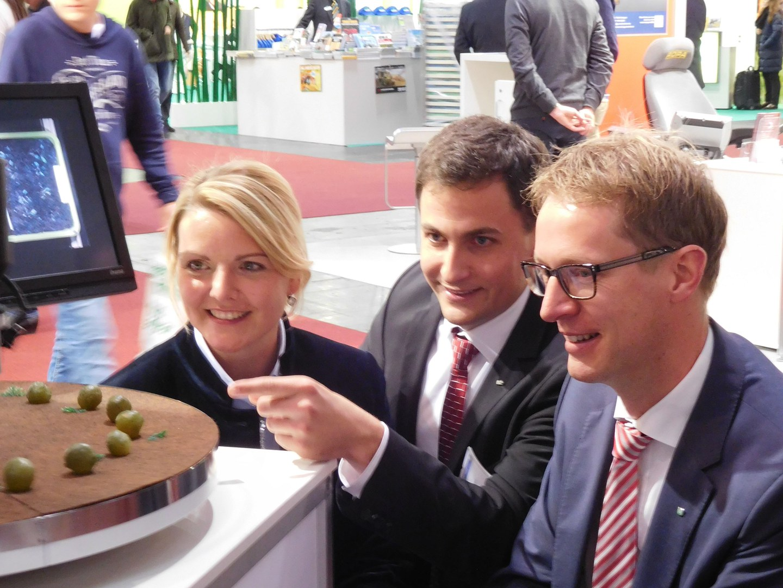 NRW-Umweltministerin lernt Bonner Entdeckung kennen