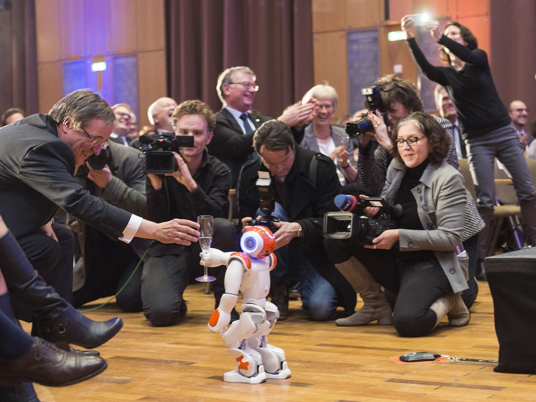 Roboter begrüßt den MP