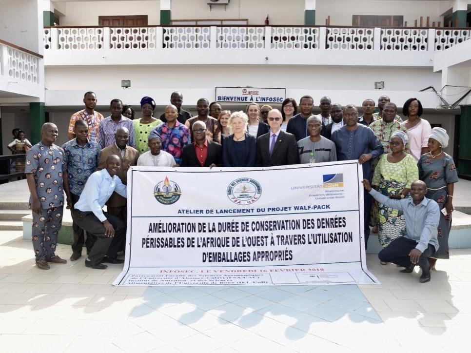 Gruppenfoto vom Kick-Off Meeting in Abomey-Calaví (Benin; von links):