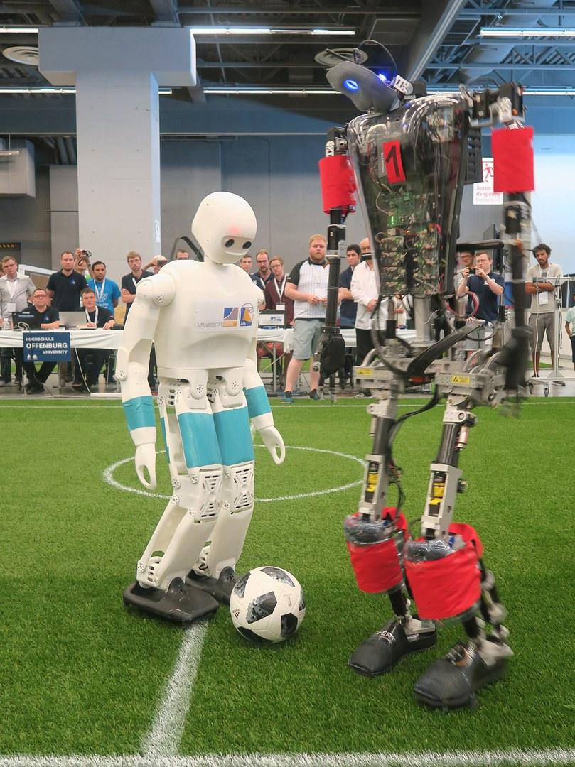 Zweikampf der humanoiden Roboter: