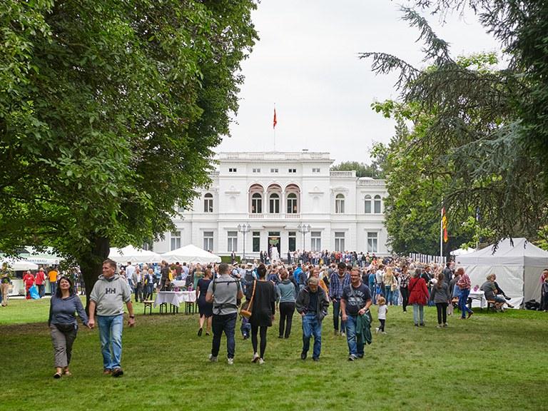 Etwa 14.000 Gäste kamen in den Garten der Villa Hammerschmidt.
