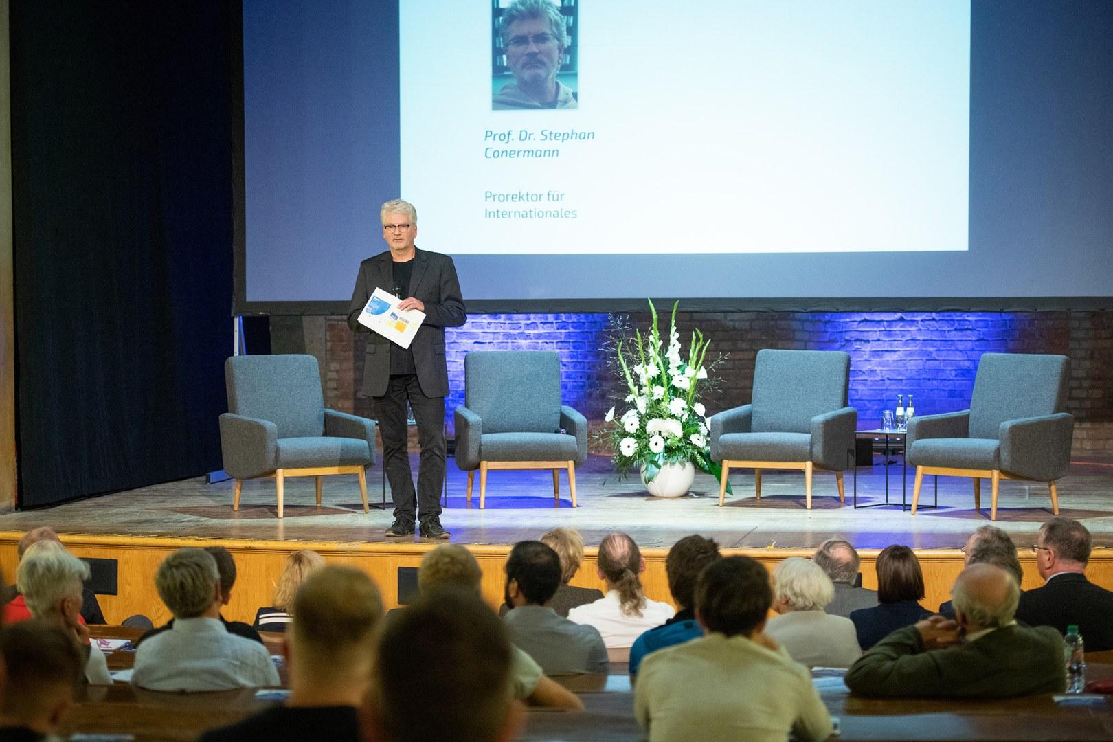 Prof. Dr. Stephan Conermann,