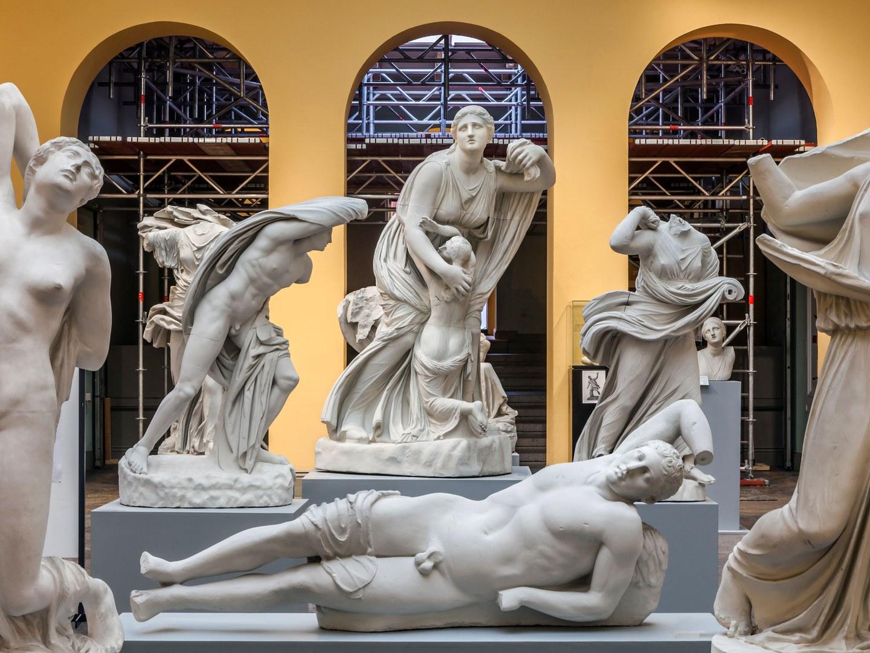 Gerüst im Akademischen Kunstmuseum der Uni Bonn