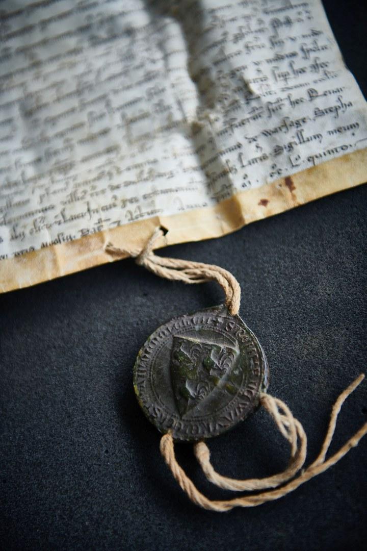 Auch mittelalterliche Urkunden