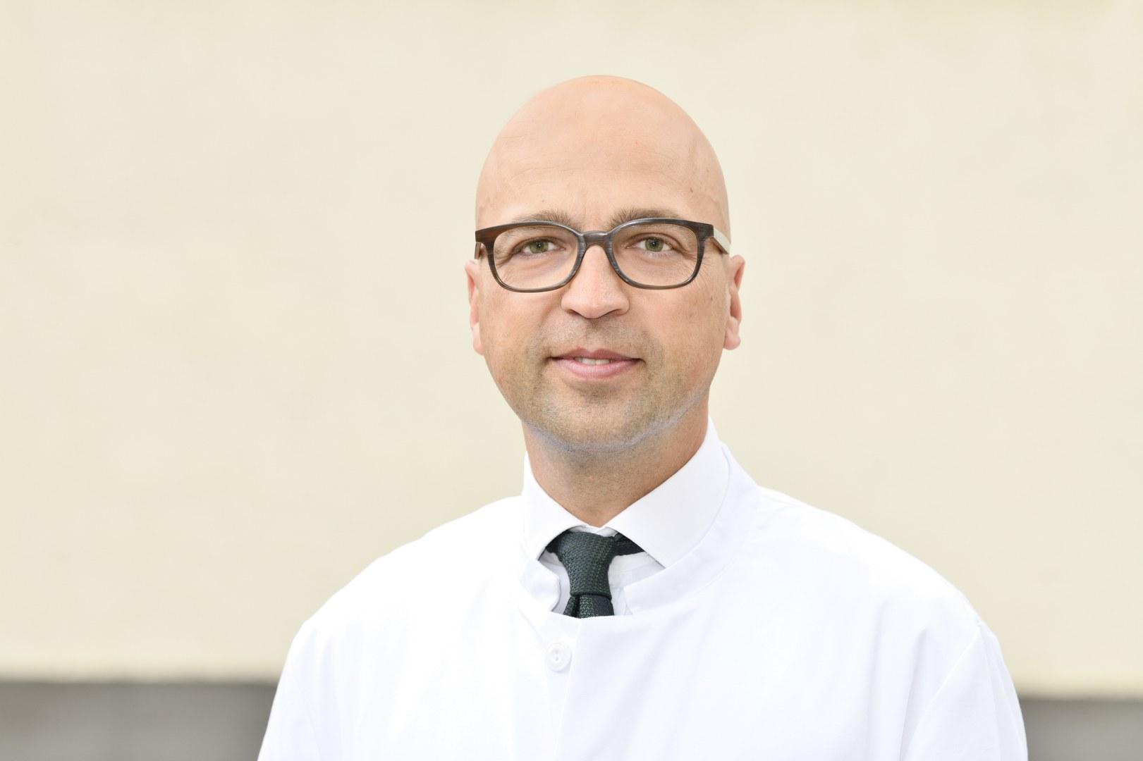 Neuer Direktor der Gynäkologie und Gynäkologischen Onkologie am UKB: