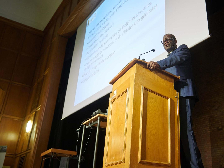 Prof. Dr. Denis Mukwege in Hörsaal 1 der Universität Bonn