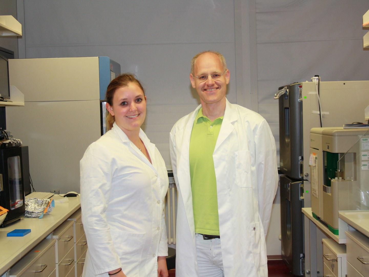 Jennifer Kaiser und Prof. Dr. Andreas Möglich