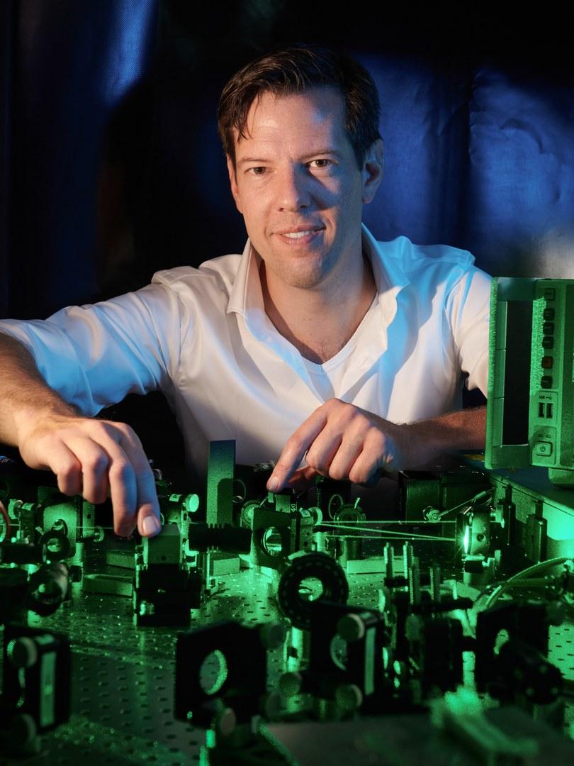 Prof. Dr. Simon Stellmer