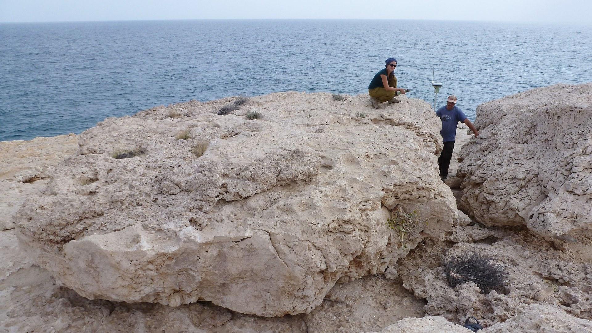Der größte dieser Gesteinsbrocken wiegt rund 100 Tonnen,