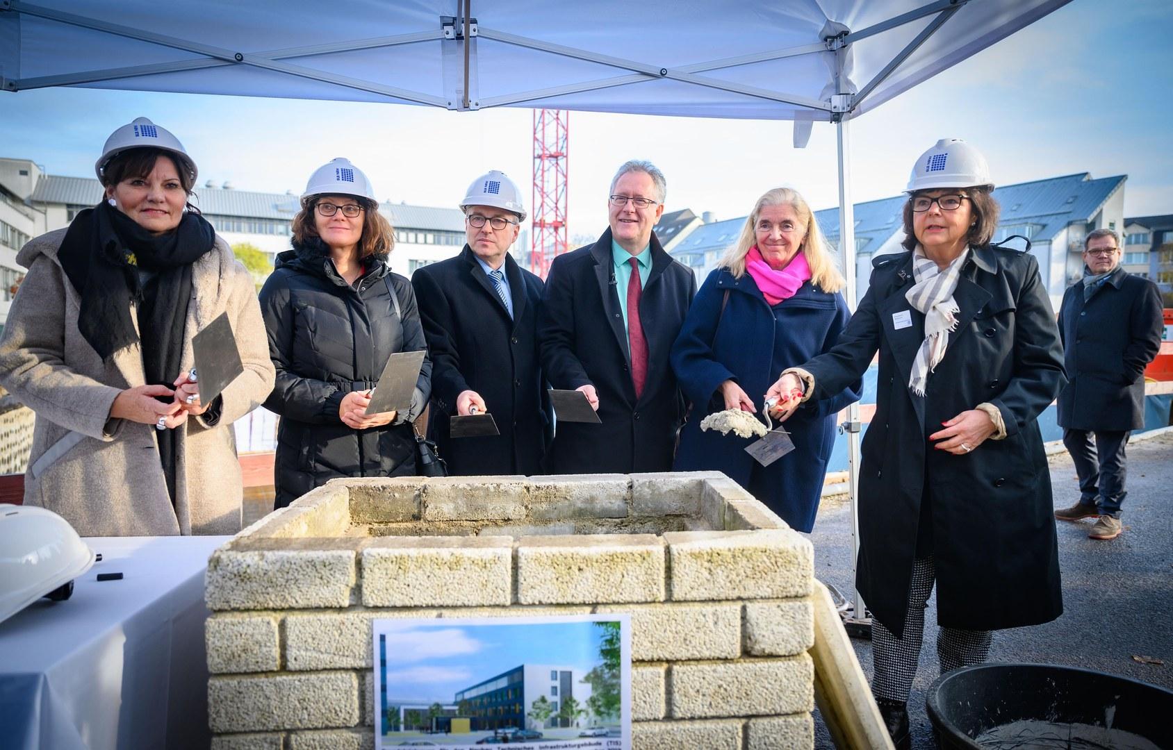 Grundsteinlegung für den Neubau Technisches Infrastrukturgebäude (TIS)