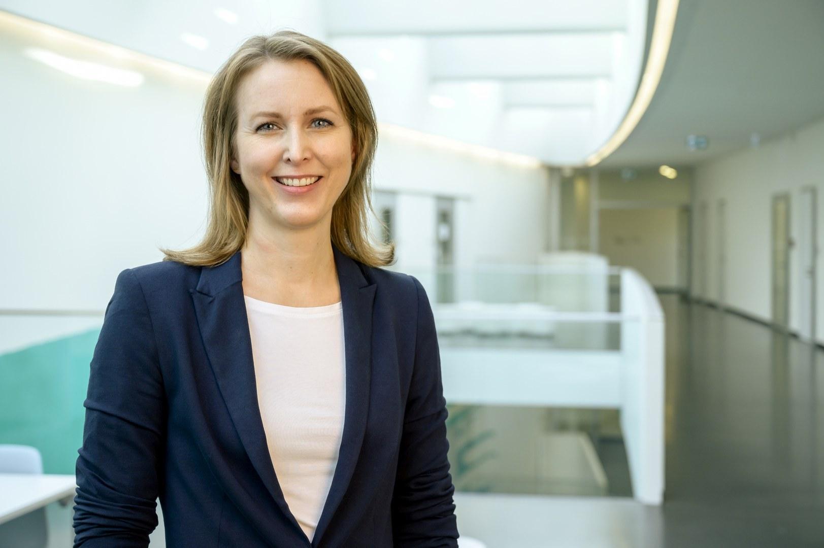 Dr. Anna Aschenbrenner,