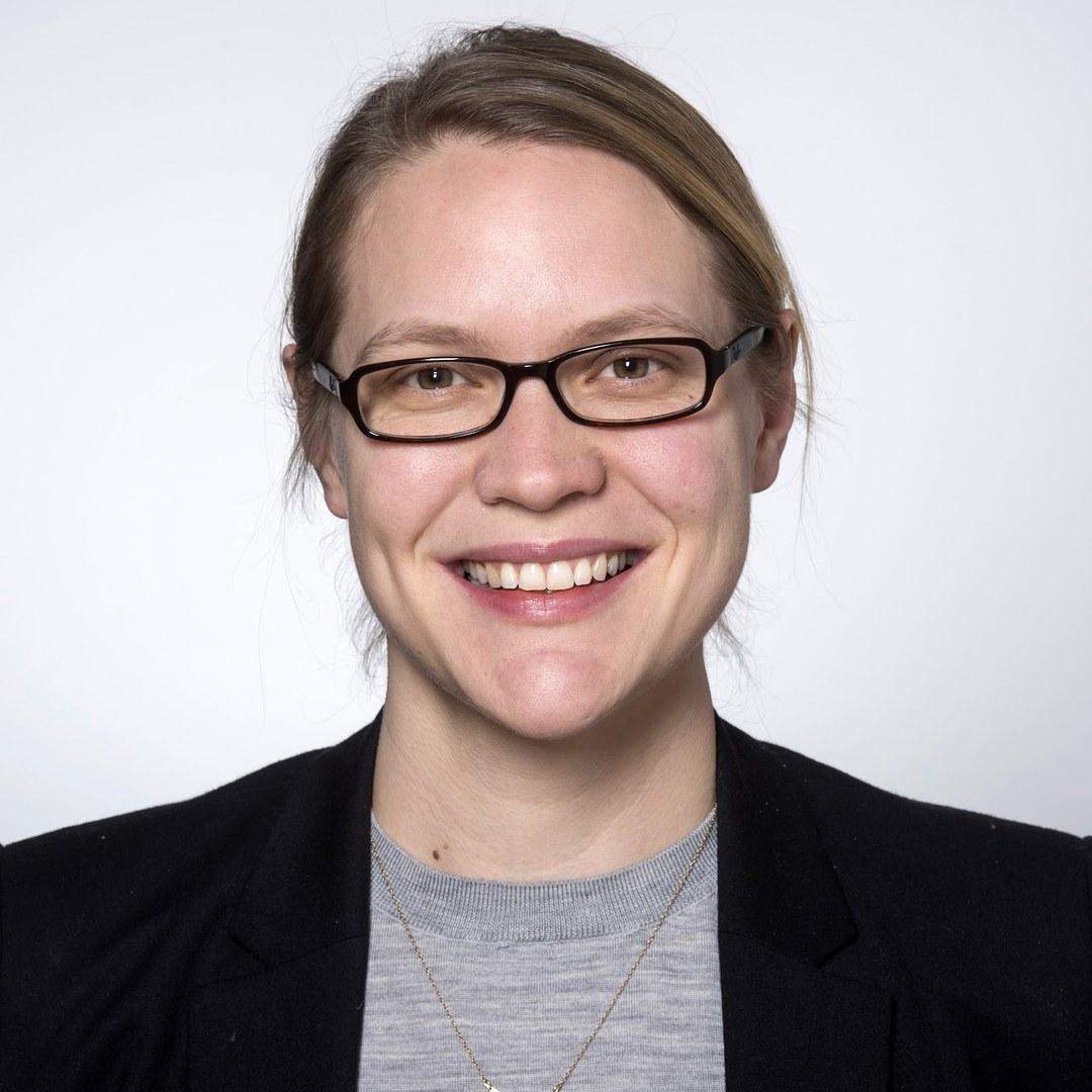 Jun.-Prof. Lena Janys