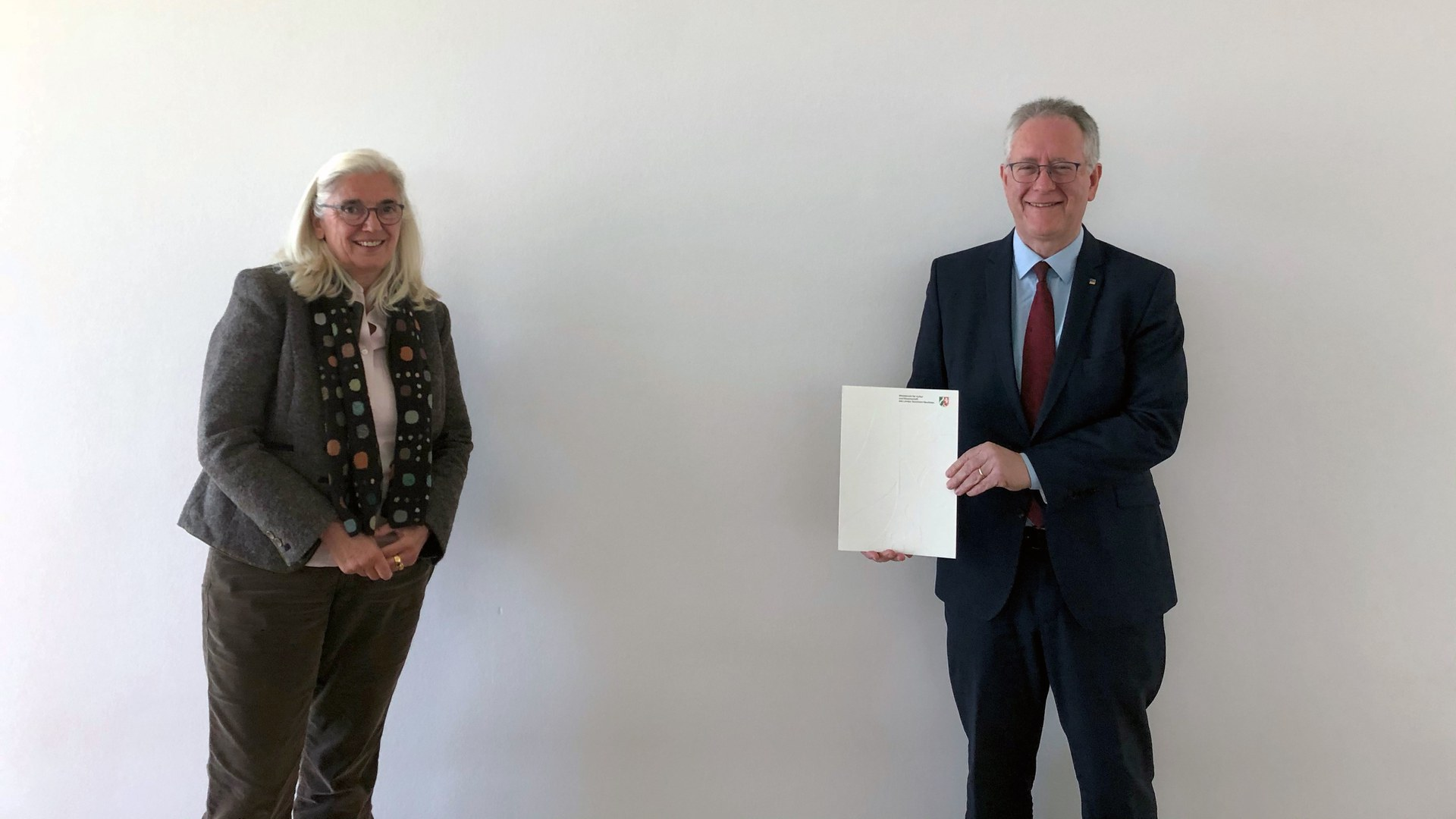 Minister of Science Isabel Pfeiffer-Poensgen and Rector Michael Hoch.