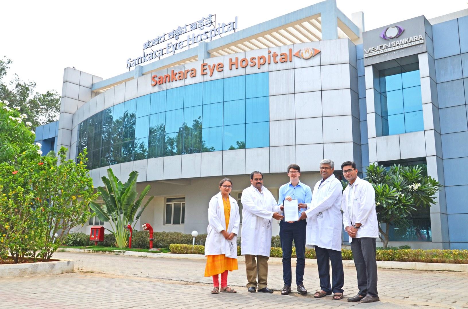Smartphone-based telemedical eye screening in India: